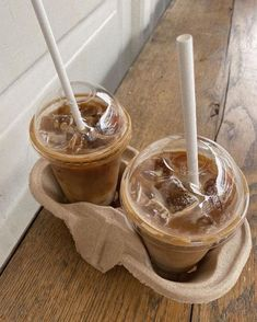 Iced Coffee, Coffee Drinks, Coffee Cafe, Coffee Shop, Aesthetic Coffee, Aesthetic Food, Beige Aesthetic, Cute Food, Yummy Food