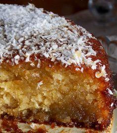 Σιροπιαστό κέικ καρύδας δίχως αυγά και βούτυρο