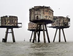 Maunsell Army Sea Forts  (River Thames/River Mersey, UK)