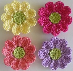 Small Flowers, Appliques, Scrapbooking, Sewing - set of 16 - Crochet - cotton thread crochet flower appliques, embellishments in Antique White. Cotton Crochet, Thread Crochet, Knit Or Crochet, Crochet Toys, Crochet Stitches, Crochet Baby, Crochet Flower Patterns, Flower Applique, Crochet Flowers