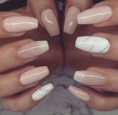 Marble and nude nails Bad Nails, Cute Nails, Pretty Nails, French Fade Nails, Nailart, Vacation Nails, Neutral Nails, Classy Nails, Nagel Gel
