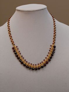 Pin by My Jewellery Organiser on Jewelry - Necklaces in 2019 Gold Mangalsutra Designs, Gold Earrings Designs, Gold Jewellery Design, Bead Jewellery, Beaded Jewelry, Jewelry Necklaces, Pearl Necklaces, Antique Jewellery, Handmade Jewellery