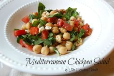 Mediterranean Chickpea Salad: I want this now.