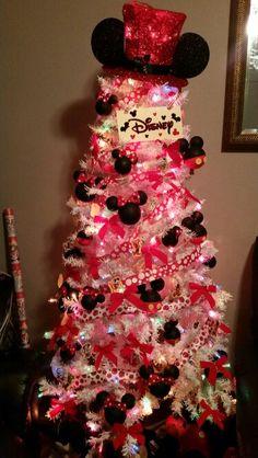 mickey mouse christmas tree disney christmas trees minnie mouse christmas cute christmas tree