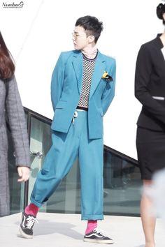 G-DRAGON HQ G Dragon Top, G Dragon Style, Dragon Pictures, Dragon Pics, G Dragon Hairstyle, G Dragon Fashion, Ji Yong, Being Good, Damp Hair Styles