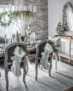 holiday decoracion I have a lovely share today fro - holiday Merry Christmas Eve, Elegant Christmas, Rustic Christmas, Christmas Home, Beautiful Christmas, Christmas Design, Winter Christmas, Christmas Trees, Christmas Tablescapes