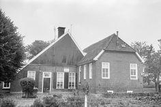 Boerderij met bovenkamer, blijkens gevelsteen 1772, Hasseltweg 19 in Haaksbergen | 1967 - Rijksmonumenten.nl
