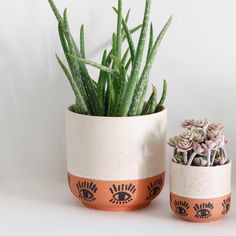 Painted Plant Pots, Painted Flower Pots, Pots D'argile, Clay Pots, Pottery Painting, Diy Painting, Plant Aesthetic, Diy Planters, Fall Planters