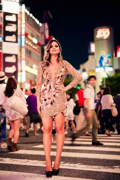 Thassia Naves - city style - love this mixed golden lace and mosaic print dress