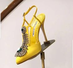 They took my breath away & I haven't exhaled yet Hot Heels, Strappy Heels, Cute Shoes, Me Too Shoes, Look Fashion, Fashion Shoes, Stilettos, Manolo Blahnik Shoes, Satin Shoes