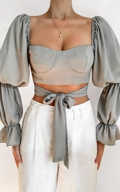 Glamouröse Outfits, Girly Outfits, Cute Casual Outfits, Fashion Outfits, Womens Fashion, Spring Outfits Women, Inspiration Mode, Mode Streetwear, Shirts & Tops