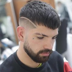 27 New Hair Style Men Short - Bayrays - hair - Haare Crop Haircut, Fade Haircut, Men Haircut Short, Cool Hairstyles For Men, Haircuts For Men, Men's Hairstyles, Barber Haircuts, Amazing Hairstyles, Hair And Beard Styles