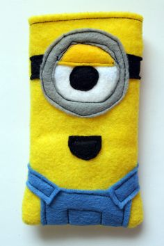 Someone make me one of these LOL DIY Despicable Me Minion Phone Cozy