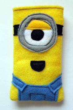 DIY Despicable Me Minion Phone Cozy