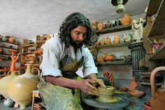 Ceramica de Maramures Clay Projects, Vacation, Painting, Costume, Romania, Vacations, Painting Art, Paintings, Costumes