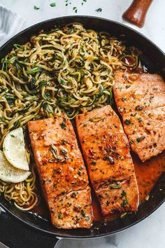 Lemon-garlic butter salmon with zucchini noodles - Light, low-carb and ready in - Jule H. Lemon-garlic butter salmon with zucchini noodles - Light, low-carb and ready in - Jule H., Hearty lemon-garlic butter salmon with zucchini - Pasta - light, lo Side Dish Recipes, Fish Recipes, Keto Recipes, Cooking Recipes, Cooking Fish, Weeknight Recipes, Pasta Recipes, Donut Recipes, Recipies