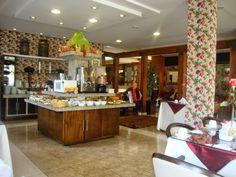 Café da manhã no hotel Glamour da Serra, em Gramado.