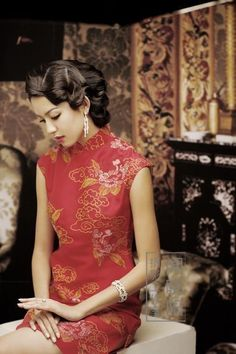 1920s chinese chic hairstyle for tea ceremony