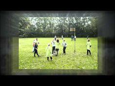 Lied 'Bewegen is gezond' van Kinderen voor kinderen voor kinderboekenweek 2013 over sport en spel onder het motto 'klaar voor de start'.