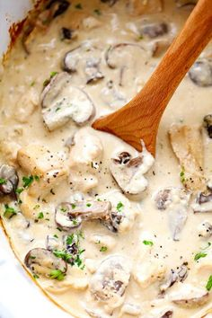 Slow Cooker Chicken and Mushroom Stroganoff | Creamy and amazing!
