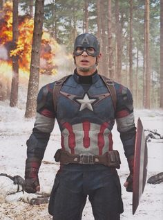 Chris Evans as 'Captain America' in AVENGERS: AGE OF ULTRON *in Bilbo voice* 'I need air' O_O