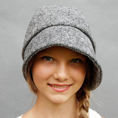 Art deco fashion designer hat for women ZUTmanon by ZUTusine Tweed, French Hat, Cloche Hat, Womens Clothing Stores, Headgear, Handmade Clothes, Fashion Boots, Fashion Rings, Art Deco Fashion