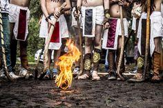 En el marco de la celebración de Noche de Muertos y con la participación de más 300 jugadores, se llevó a cabo el VI Encuentro de Juego de Pelota Purépecha, ...