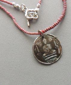 Collier Bouddha, pendentif Bouddha argent, rose perles de commerce africain, bijoux artisanaux, bijoux Zen, Urban Chic, bijoux de Yoga