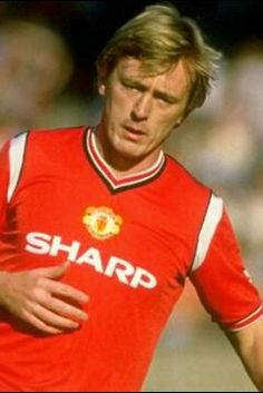 "Name: Peter Simon Barnes Position: Forward Birthdate: 10-06-1957 Birthplace: Manchester, England Height: 5' 10"" Weight: 11st Nationality: England   Signing Information: Loaned from: Leeds United, 05/1984. 2nd Spell, Transferred from Coventry City, 07/1985, £50,000 Years at Club: 1984-1987 Debut: 31/08/1985 v Nottingham Forest (A) 3-1 (League Division One) Previous clubs: Manchester City, West Bromwich Albion, Leeds United, Real Betis (loan), Melbourne J.U.S.T., Coventry City Farwell to…"