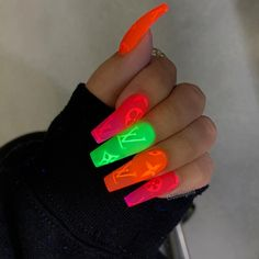 Please Don't Miss The Best Advice About Coffins Nails In Coffin Nails Designs In Coffin Nails Designs; The post 40 Best And Stunning Acrylic Coffin Nails Designs In 2019 appeared first on Fox. Glow Nails, Aycrlic Nails, Stiletto Nails, Swag Nails, Glitter Nails, Summer Acrylic Nails, Best Acrylic Nails, Summer Nails, Faux Ongles Gel