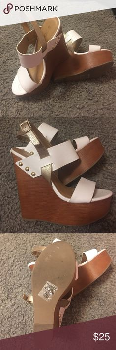 Wedges Pretty much are new wedges. There to big on me usually I wear size 5 and this are 5.5. Color is white and gold. There's beautiful Shoes Wedges