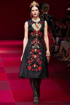 Dolce & Gabbana Spring 2015 Ready-to-Wear Fashion Show - Kinga Rajzak