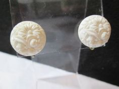 WHITE CELLULOID DAINTY BUTTON STYLE SCREW BACK EARRINGS CARVED FLORAL MUM DESIGN