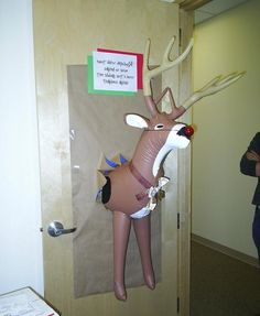 Christmas door decorating contest ideas pictures