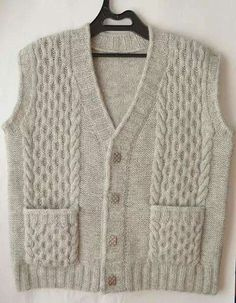 Mens Vest Pattern, Baby Patterns, Stitch Patterns, Knitting Stitches, Knitting Patterns, Cable Knit Sweaters, Crochet Baby, Diy And Crafts, Pullover