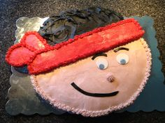 Jake and the Neverland Pirates Pull Apart Cupcake Cake. Made with 24 cupcakes.