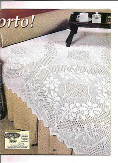 Serwety filetowe i inne - - Picasa Web Albums Crochet Bedspread, Crochet Tablecloth, Crochet Doilies, Filet Crochet Charts, Shabby Chic Crafts, Pintura Country, Manta Crochet, Crochet Home, Thread Crochet