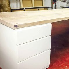 What Do You Think office desk handmade by Timber. #Woodworking