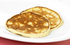 Dette er en variant av surmelkslapper - bare laget med mager kesam. Breakfast, Food, Morning Coffee, Essen, Meals, Yemek, Eten