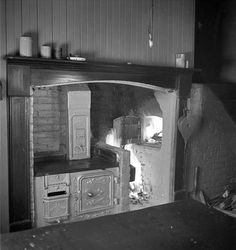 The infamous Shacklock Orion cooking range was considered state of the art in… Open Fireplace, Fireplace Inserts, Kitchen Oven, Kitchen And Bath, 1930s Kitchen, Bread Oven, Cast Iron Stove, 1920s House, Single Oven