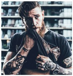 The Bearded Men is your one stop Beard Oil and Beard Grooming site to bring your beard needs to life. We have been successfully running for 3 years serving plus happy customers when means you can shop at The Bearded Men with a piece of mind. Inked Men, Inked Girls, Bart Tattoo, Sexy Bart, Viking Men, Great Beards, Beard Grooming, Grooming Kit, Man Bun