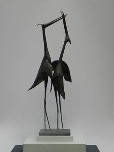 Roger Desserprit (1923-1985) / Hérons amoureux, 1968 / Cuivre soudé et patiné / Signé et daté sous le socle / 50 x 12 x 12 cm