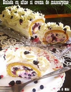 » Rulada cu afine si crema de mascarponeCulorile din Farfurie Food Cakes, Cake Cookies, Waffles, Cake Recipes, Deserts, Rolls, Food And Drink, Pudding, Yummy Food