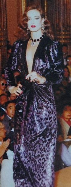 Juillet 1982. Haute couture hiver 1982/83. L Officiel 1000 modèles.