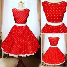 Nabídka šatů od MiaBella je plná vzrovaných šatů. Stačí si jen vybrat oblíbenou barvu. Která bude ta Vaše? Vybírejte na https://www.miabella.cz/retro-saty-sukne/
