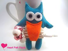 Earbud Holder Felt Owl Earbud Orgainzer by HeartFeltPlush on Etsy, $7.00