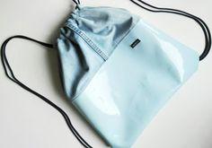 Light blue gymbag by Rekaboo