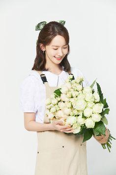 Im Yoon Ah, Yoona Snsd, Popular Girl, Girl Model, Girls Generation, Korean Singer, Girl Group, Flower Girl Dresses, Actresses