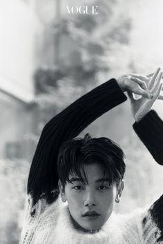 에릭 남의 24시 | 보그 코리아 (Vogue Korea) How To Speak Chinese, Eric Nam, Korean Fashion Men, Korean Artist, Music Is Life, Photoshoot, Kpop, American, Vogue Korea