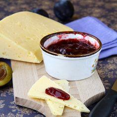 Skvělá švestková omáčka se hodí k sýrům. Dairy, Cheese, Food, Meal, Essen, Hoods, Meals, Eten